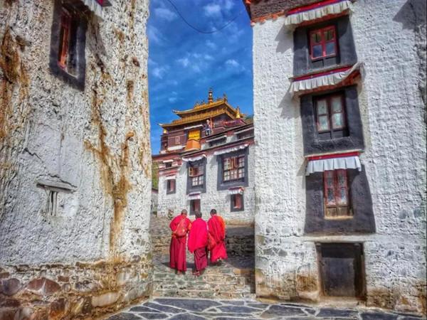 过年才是去西藏性价比最高的时间!雪山圣湖美得冒泡,